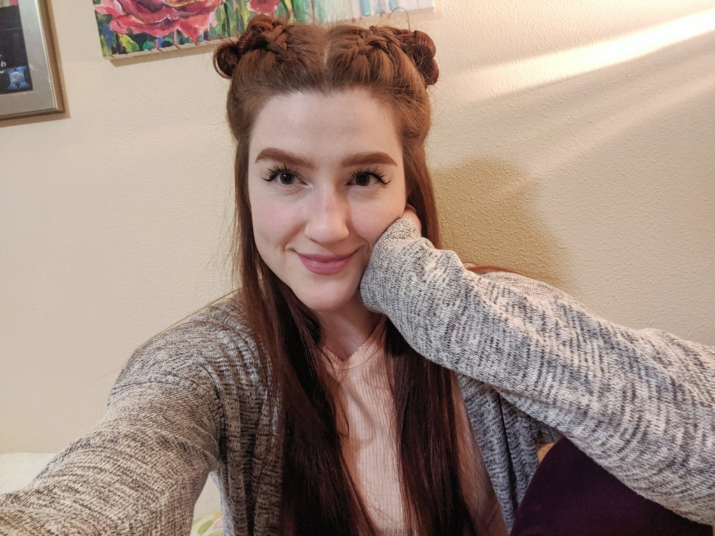 I actually spent time on my hair after I finished up midterms and now I don't want to get ready for bed because I have to take it out!!  Also @HoopleHeadUSA won't watch The Expanse with me so pls bully him<br>http://pic.twitter.com/SS95woso2n