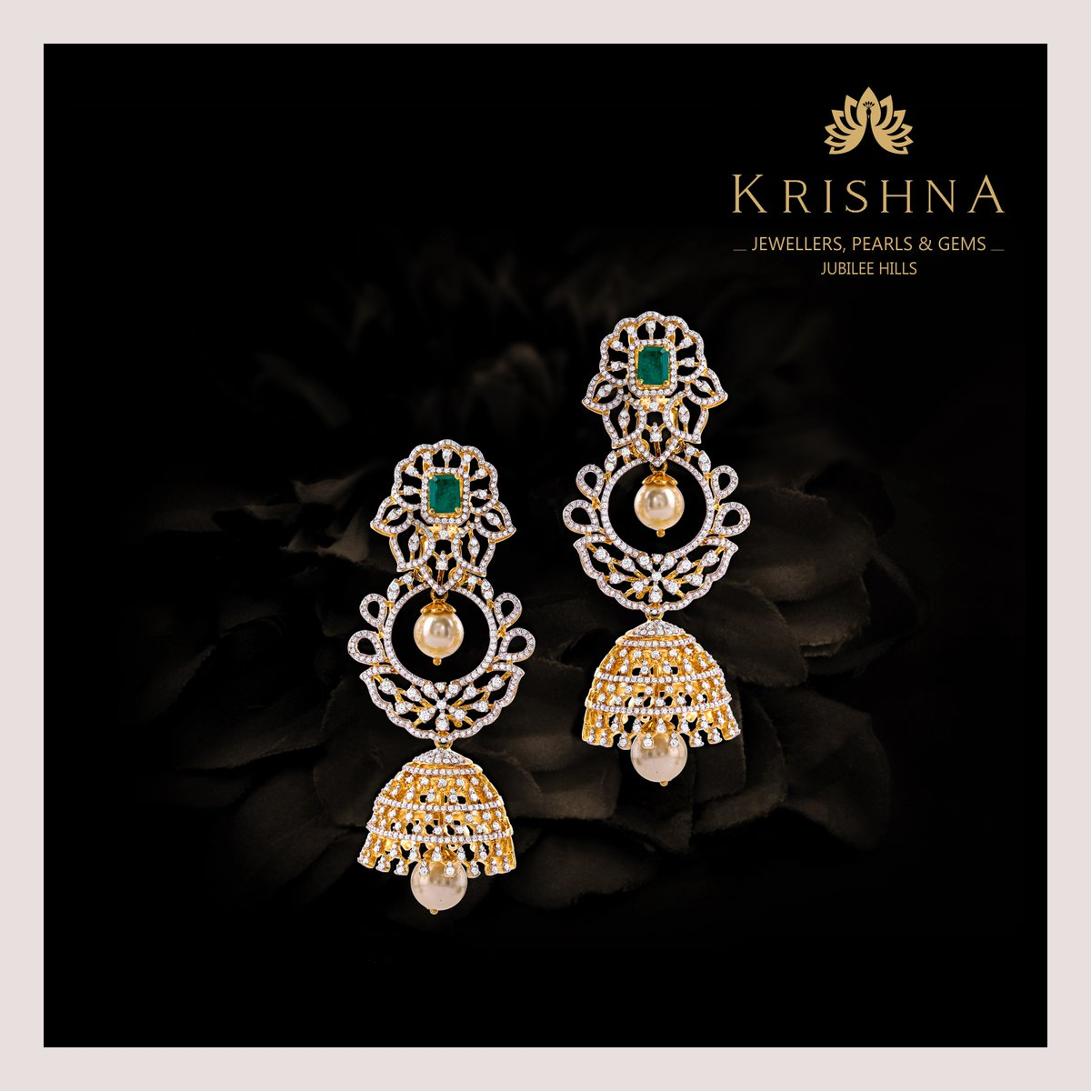 Pretty Diamond chandbali, jhumka earrings crafted in yellowing using finely assorted Diamonds, emeralds, pearls  only to the Miraculous women in the city. For more details Contact Us @ +91-7093324141. #diamondearrings #diamonds #jhumkaearrings #chandbaliearrings #earringsdesignspic.twitter.com/2swjvx7ToS