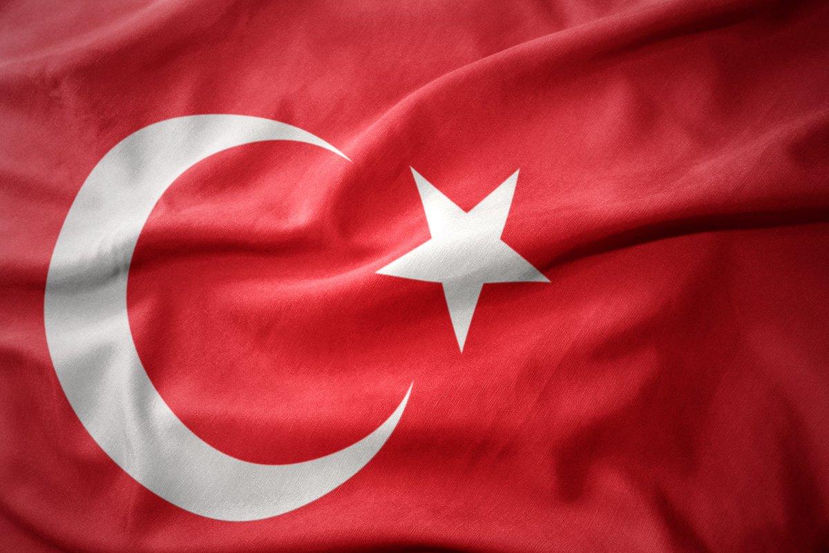 Başımız Sağolsun! İdlib'te şehit olan askerlerimize Allah'tan rahmet, kederli ailelerine ve milletimize başsağlığı dileriz.  #Turkey https://t.co/lksRsZqvRK