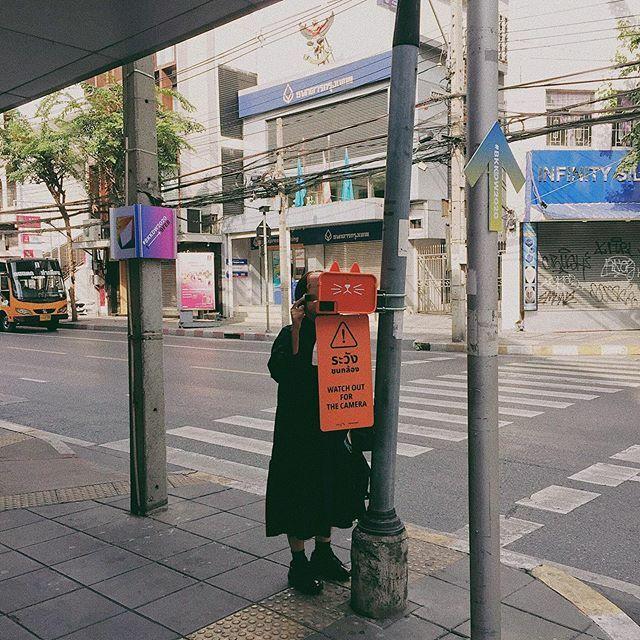🧡🐷 #viperguphotographer #vsco #vscocam #vscocamthailand #𝐞𝐦𝐩 #streetphotography #sonya7ii #50mmphotography