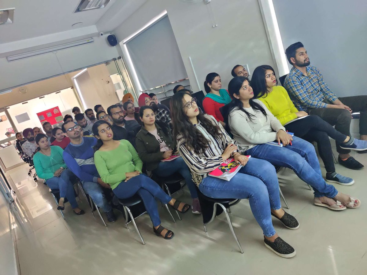 #Interpersonal skills help you to #work collaboratively, #communicate effectively and have #positive #relationships with #customers and co-workers.A session on Interpersonal skills given to #smarTians at #smartDataMohali. #RightMindSet #sD2