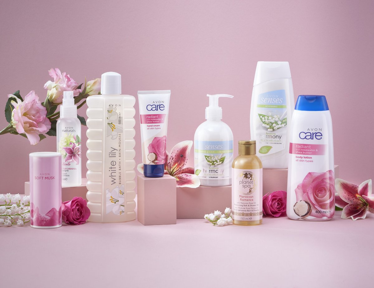 Wow! Check out the Lily and Rose Mothers day pamper pack! 8 Superb products for only £10!  Check them out here:  http:// wu.to/jTR3xw     <br>http://pic.twitter.com/jOEG9JzLeK