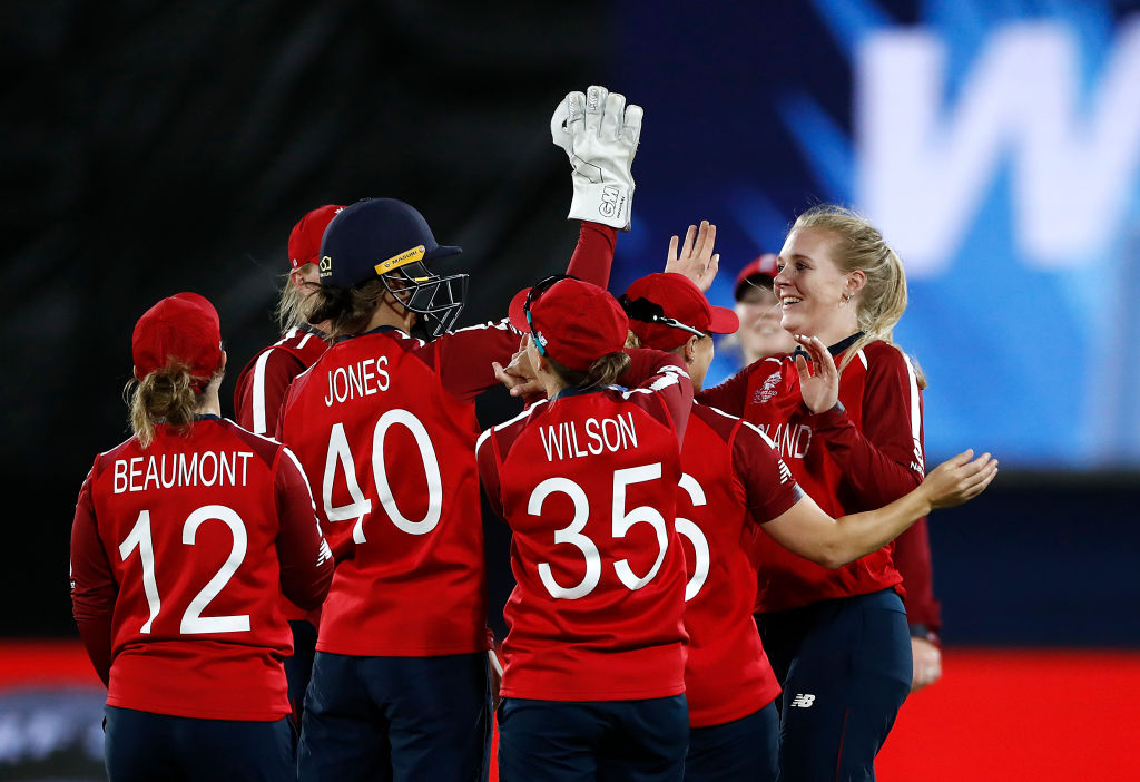 England seal a comfortable win over Pakistan beating them by 42 runs. Reaction ➡️http://bbc.in/2wekfDM  #bbccricket #T20WorldCup #ChangeTheGame