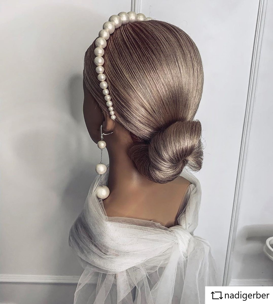 work by @nadigerber    JUST PERFECT!  https://www.limage.de/mannequin-head-raphaela-omc.html …  #limage #blond #updo #makeup#updos #braids #braid #weddinghair #wedding #love #Hairstylist #hairstyle #mannequinhead #hairgoals #waves #blondhair #dollhead #hollywoodhair #longhairpic.twitter.com/MNoVP0C30e