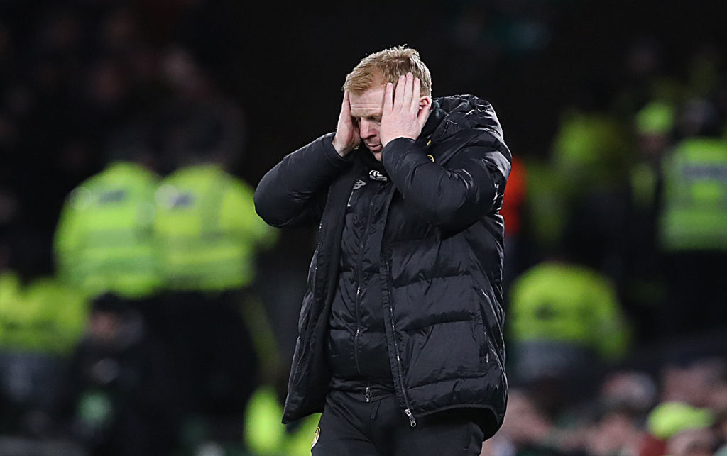 Two goals in the final five minutes for FC Copenhagen saw Celtic suffer a shock Europa League last-32 defeat. More here ➡️http://bbc.in/2PunIVS