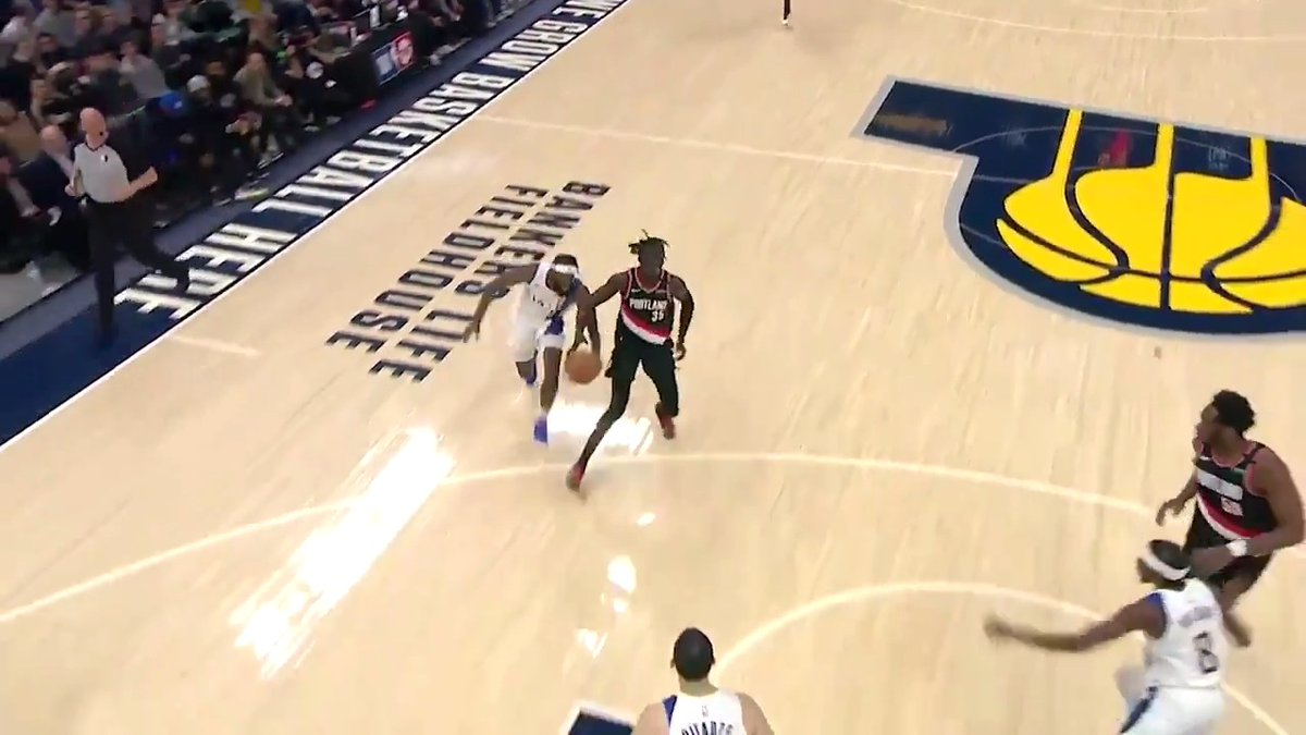 JaKarr Sampson hustles on both ends to earn your Heads Up Play of the Day!
