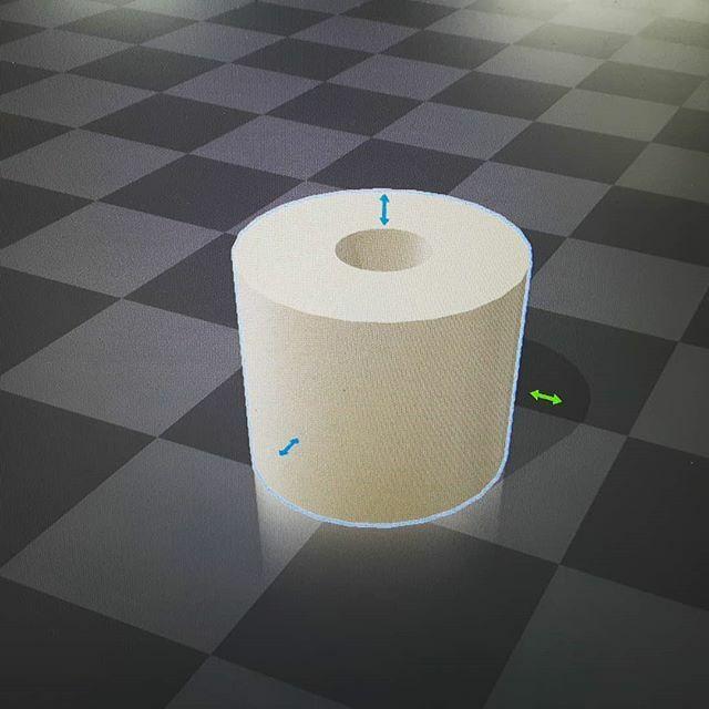 Dit is de toekomst, jongens. Ik kan nu mijn eigen rollen toiletpapier 3Dprinten. 😎 • • • #ditisdetoekomst #thisisthefuture #3ddesign #3dprint #toiletpaper #toiletpapier