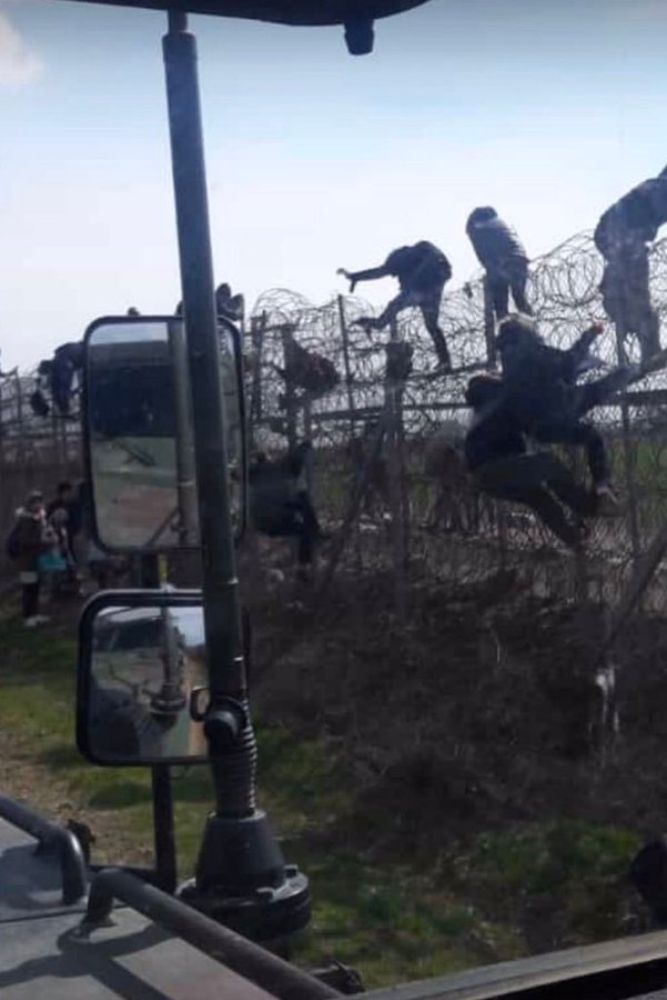 Туреччина не відкривала кордон з ЄС для біженців, угода про стримування незаконної міграції залишається в силі, - представник Єврокомісії Стано - Цензор.НЕТ 4518