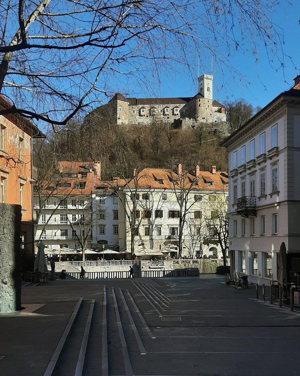 Vreme pa kot da ni Ljubljana... Pa še piha s severa 😀 #Ljubljana #Slovenija #nofilter