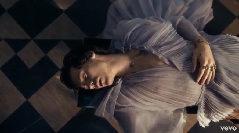 Us : Oh my God Harry looked so sad in the still from the Two Ghosts mv Harry : Bitch you thought #FALLINGMUSICVIDEO <br>http://pic.twitter.com/AeS42Zo0os