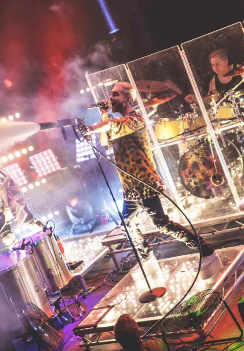 Konzertfoto von der Feel it all Tour!  Concertpic from The Feel it all Tour! #billkaulitz #konzertfoto #concertpic #feelitall #worldtour #tokiohotel #liveonstagepic.twitter.com/DedCmL6wDj