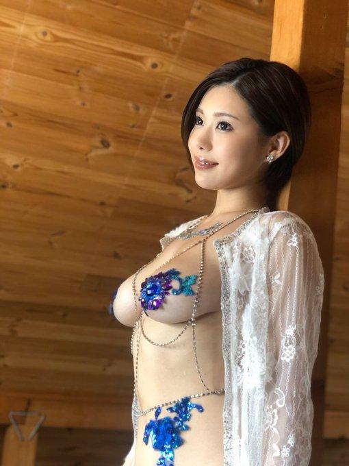 グラビアアイドル山本ゆうのTwitter自撮りエロ画像42
