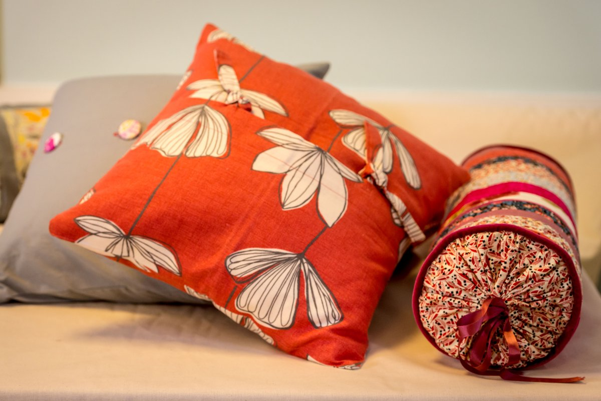 Home furnishing taster - scatter cushions for beginners! starts on the 18th of March. Make your own cushions to add a splash of colour to your home. Learn all the skills needed to achieve cushion mastery in this short course. #cushion #sew #skill #learn