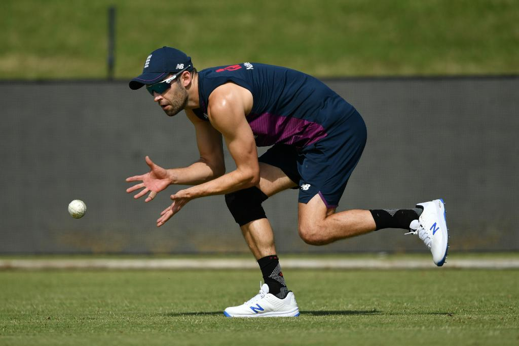 BREAKING: Mark Wood has been ruled out of England's tour to Sri Lanka with a side strain 🤕