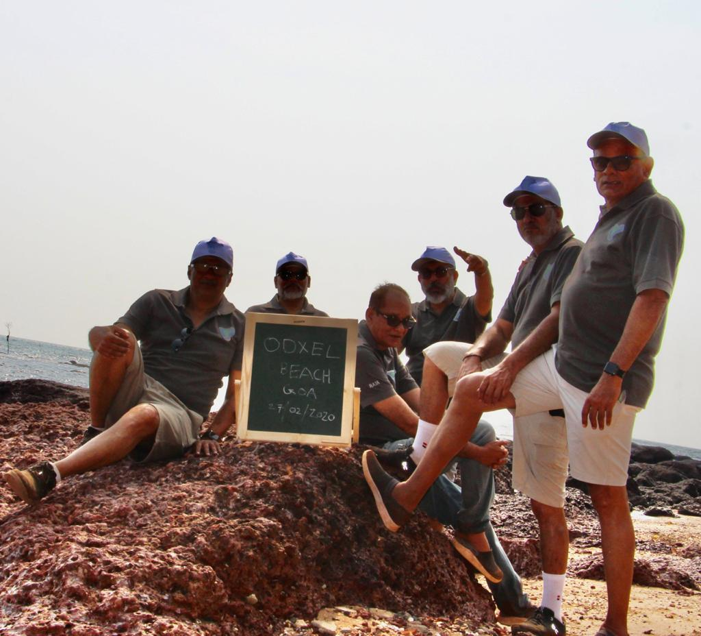 . We are a group of 6 from #Gujarat currently exploring #beachesofgoa & bringing #cleanbeach awareness by doing our part for #motherearth   #saveenvironment #saveseacreatures #savenature  https://www.instagram.com/p/B9GV_o8hh6E/?igshid=14brd4ihuijqt…  #ministryofgoa #goatourism #SwachhBharat #cleancoast  #shorepeshorpic.twitter.com/WRzndxH5AN