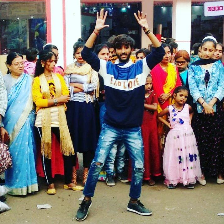 #Gwalior #GwaliorMelaMahotsav #dance #talentshow #talent #music #song #actor #artist #TradeFair #TradeFair #twitterstory #insta #musician #talentagency  #twittercool  #Twittergood #bollywood #madhyapradesh #viral #video #youtuber #youtubeshow  #fitnessmodel #musicproductionpic.twitter.com/t8kJpmJTdf