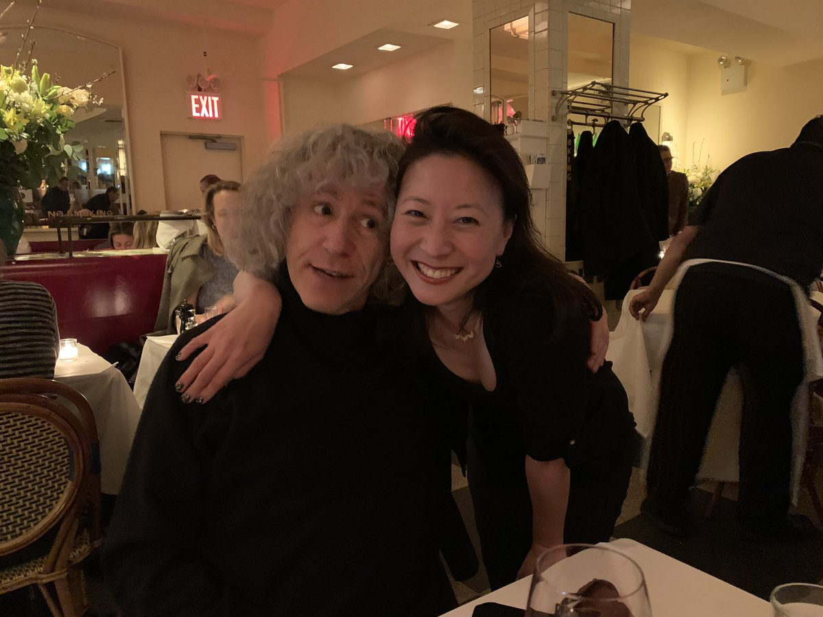 So, I met @StevenIsserlis , whom I'd been listening to because I love his work and, it turns out, he is plenty awesome in person too. !!! #nyc #fangirl