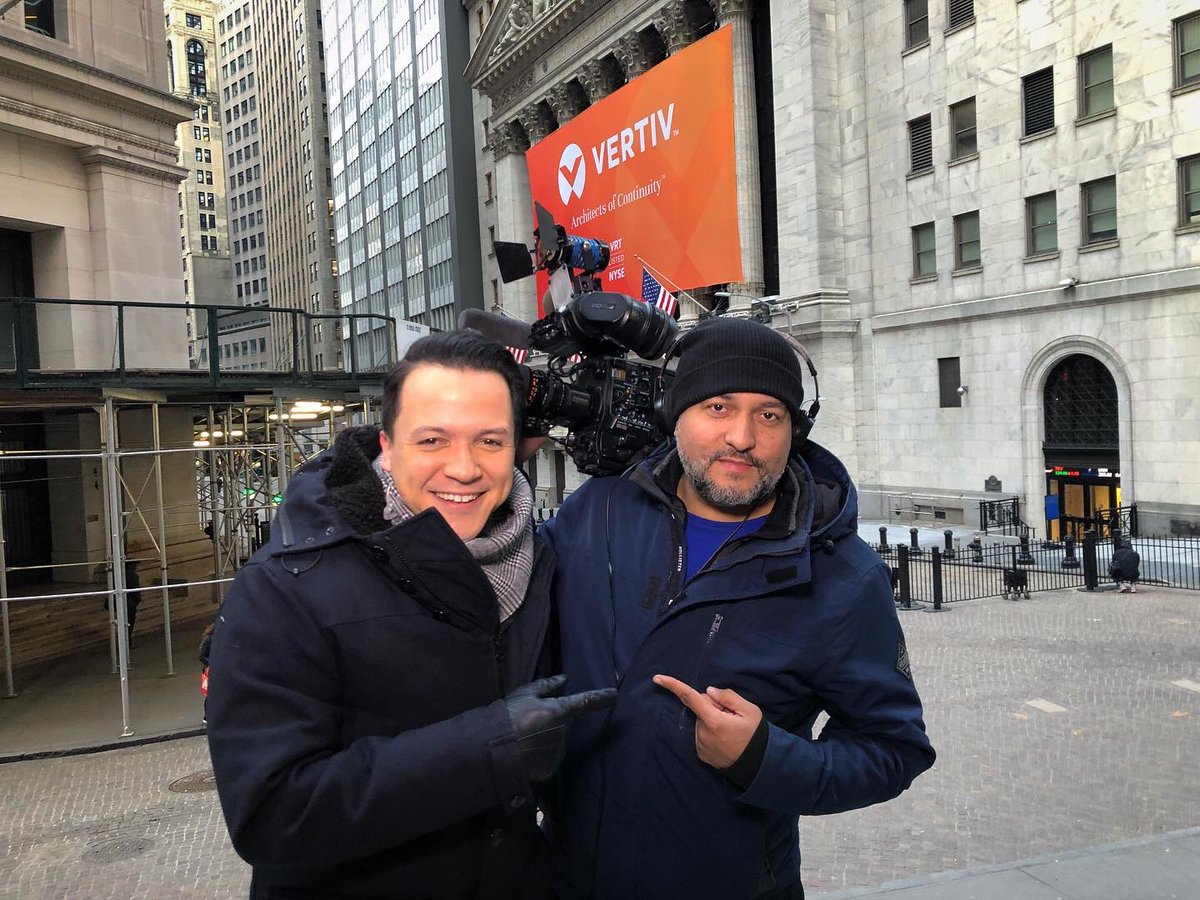 Say hello to the man behind the camera — @MikeRHumphries shooting live shots all morning at the New York Stock Exchange. 🏛 #abc7NY #wallstreet #nyc