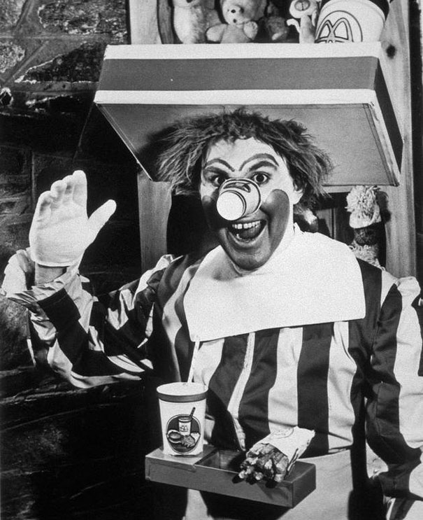 Ronald McDonald is a clown character used as the primary mascot of the McDonald's fast-food restaurant chain.  Below is the original Ronald McDonald, 1963.  #clown #McDonalds #picoftheday