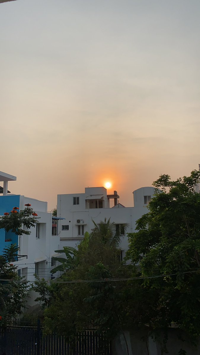 Good evening dear tweeps. Beautiful about to set view of Sun from5.55 PM @ #Sunset view @LensAreLive @Jay_Rombach @Haarisiddhu1 @_sundaysunsets_ @dewanderersoul @DanielBrasilia @GVRAMANARAO1