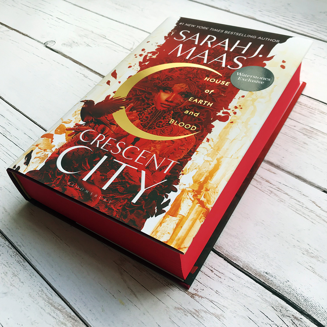 "Bloomsbury UK على تويتر: ""🌙 🔥 #CrescentCity: House of Earth and Blood  @Waterstones Exclusive Edition ""A sweeping epic packed full of romance and  adventure, House of Earth and Blood is a bold,"