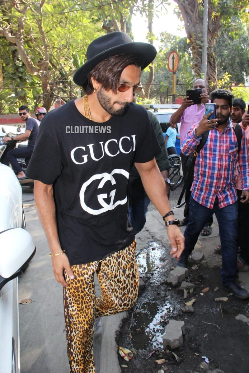 Ranveer spotted at a dubbing studio for #83TheFilm  <br>http://pic.twitter.com/bSLqKQ5qSy