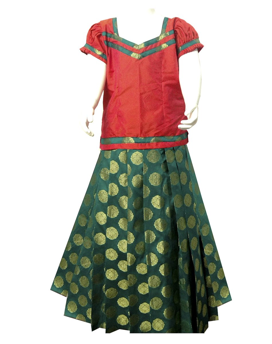 This gorgeous red and green pattu pavadai is created of soppy silk and its ideal ethnic wear whether it's a competition or wedding.#pavada #pavadasattai #kidswear #kidsethnicwear #southindianfashion #kidspattupavadai Shop now @ https://www.bujuma.com/ Call/Watsapp +91 9994892040.pic.twitter.com/PJzaDnRPuu