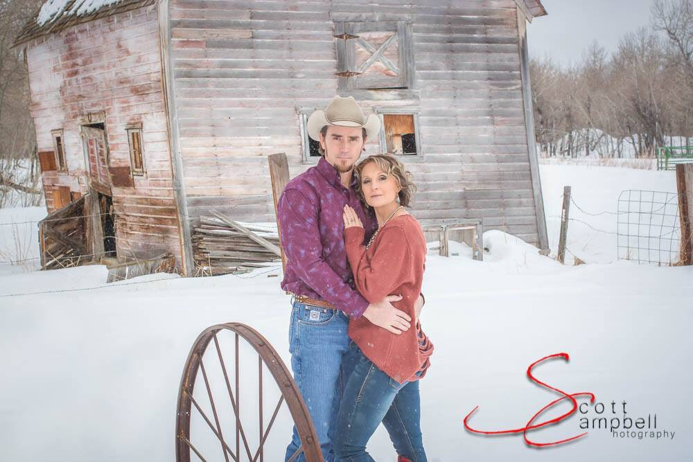 I think we'll stay on the theme of couples for a few days. Happy Friday. Scott Campbell Photography MT  #montana #scottcampbellphotographymt #billingsmt #buttemt #redlodgemt #theviewfromscottsoffice #southwestmontana #southcentralmontana #photographer #portraitphotographerpic.twitter.com/wWRrHnqh1x