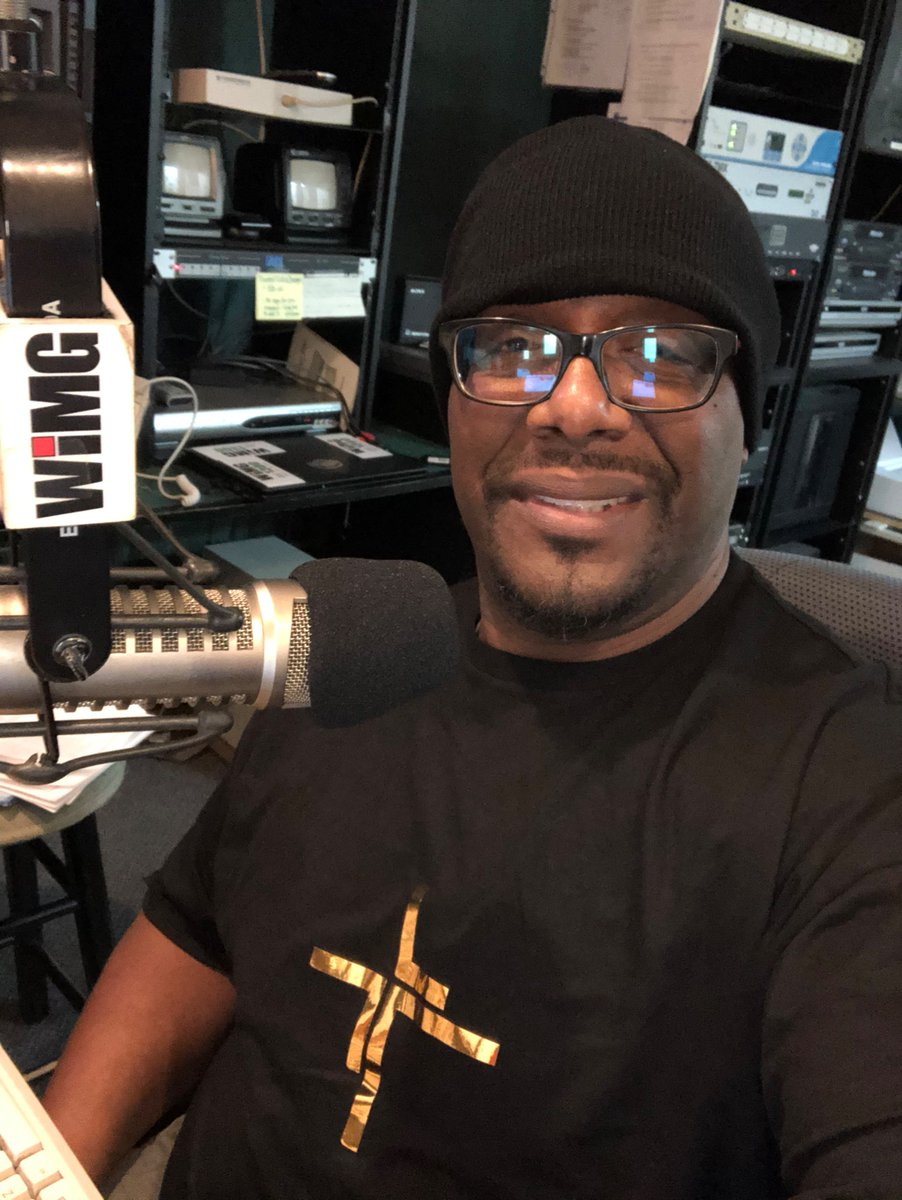 Good Friday Morning Y'all! #thecraighayesshow #wimg1300 #friday #instagram #blackman #artistsoninstagram #music @profchayes @wimg1300am