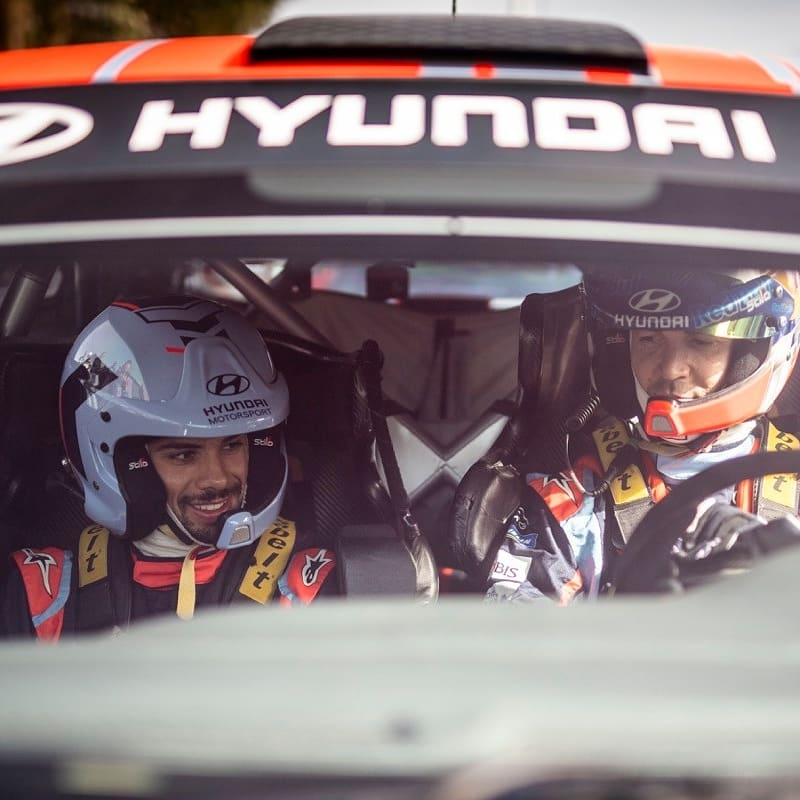 I tryed to find a good and nice text to updaload The photos of this experience but I don't have them 😬 Thank you @HyundaiPortugal and @DaniSordo for this feelings 🤘🏻🔥🔥🔥🔥