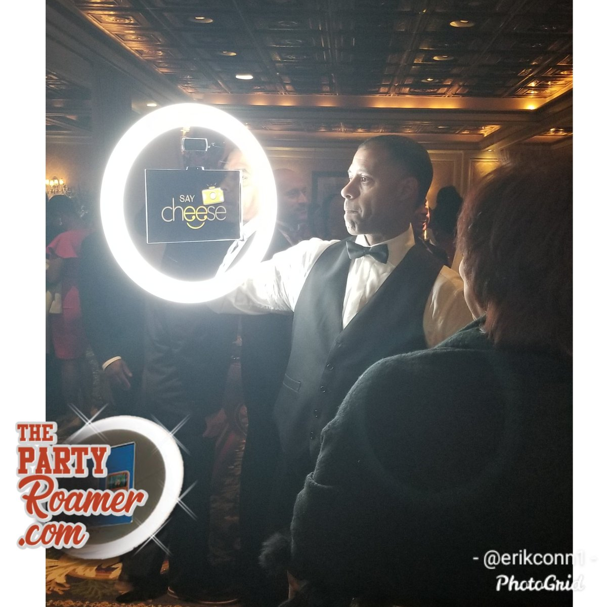 Watch This Video Now! The Best Magic Mirror Photo Booth Ever!  #rentphotobooth #magicmirrornyc #mirrorphotobooth #wegotboomerang #thepartyroamer #partyroamernyc #magicmirror #mirrormebooth #photobooth #birthdays #weddings #corporateevents #prom #graduationspic.twitter.com/BooGsT634d