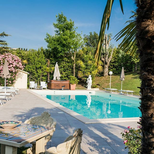 La bellezza di un luogo lontano da tutto ma a 10 minuti da Rimini!  Beautiful Holiday in Villa Ca' Viola!  #villacaviola #rimini #hotelitaly #happyholidays #holidays #holiday #vacation #parties #fun #happy #family #love #memories #night #smile #music #ou… https://ift.tt/2uHDbdYpic.twitter.com/I23N9HWdgw