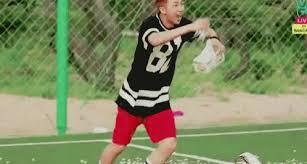 Joonie Joonie     Yes,hyung Broke something?      No,hyung     Telling lies?      No,hyung Show your hands        Dasi run run