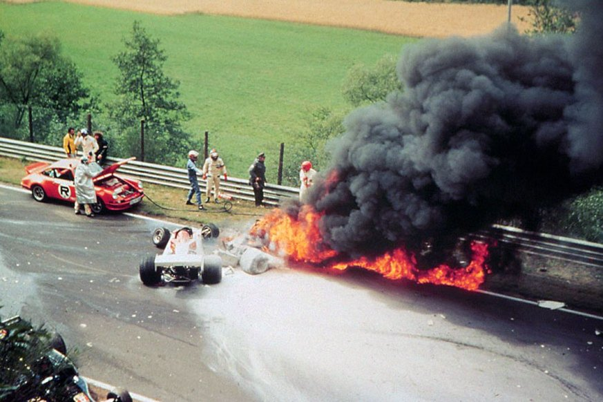 How #F1 great Niki Lauda raced just 40 days after nearly dying in raging inferno https://www.mirror.co.uk/sport/formula-1/niki-lauda-crash-how-f1-21588019…