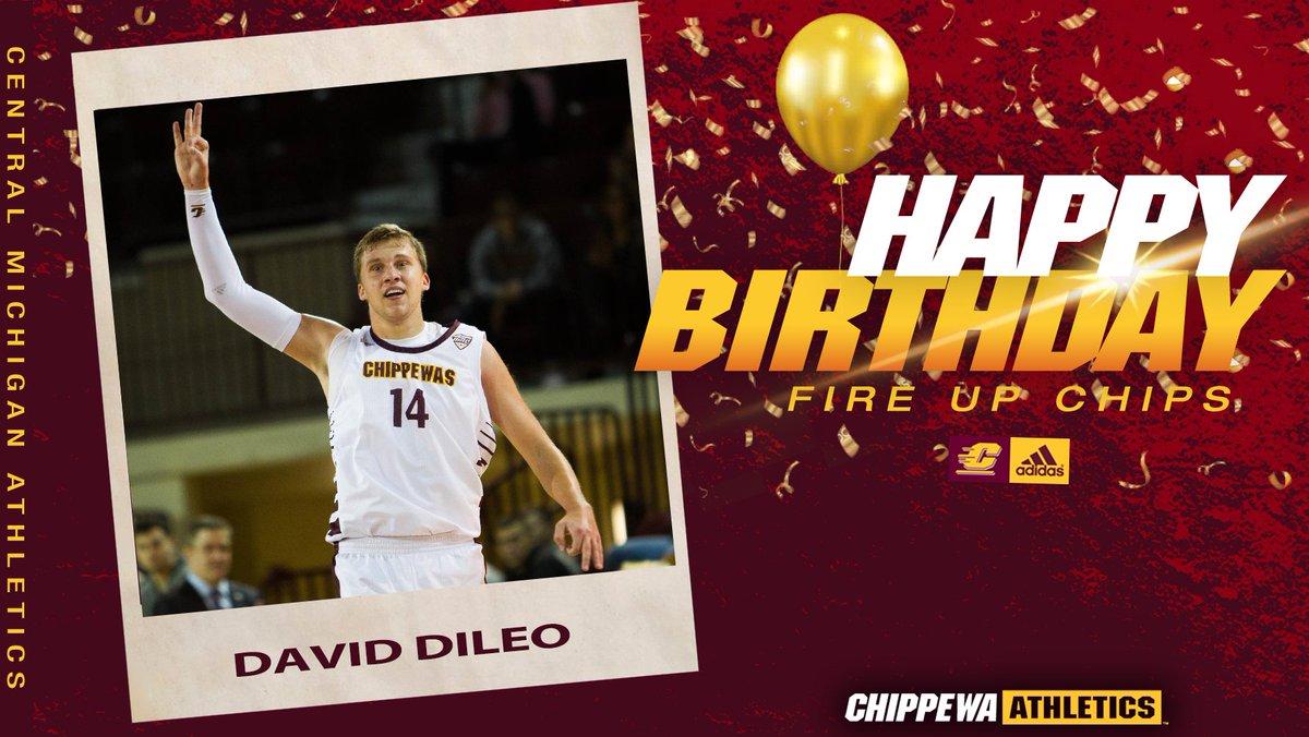 Join us in wishing senior forward David DiLeo a very happy birthday! 🎉  #FireUpChips