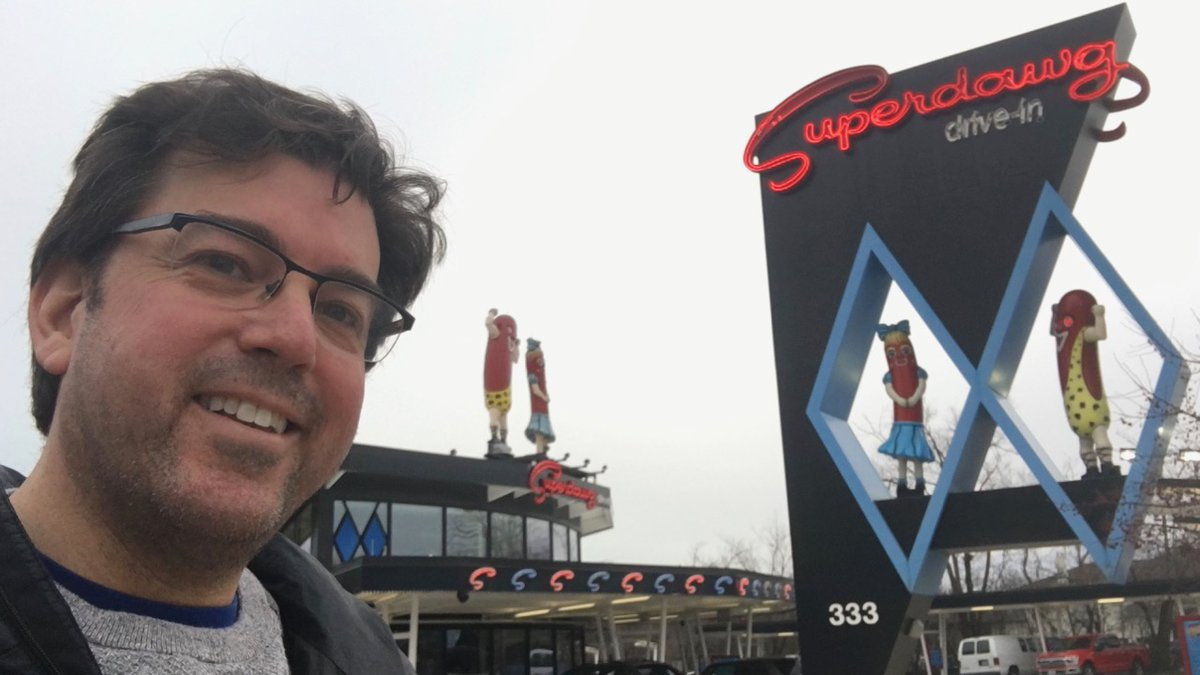 The #healthy Humorist's Unhealthy #eating Adventure Across America (#THHUEAAA) continues at another #Chicago favorite! #HeartMonth #HeartHealth #healthyheart #HealthyEating #HealthyFood @Superdawg @SuperdawgWheel