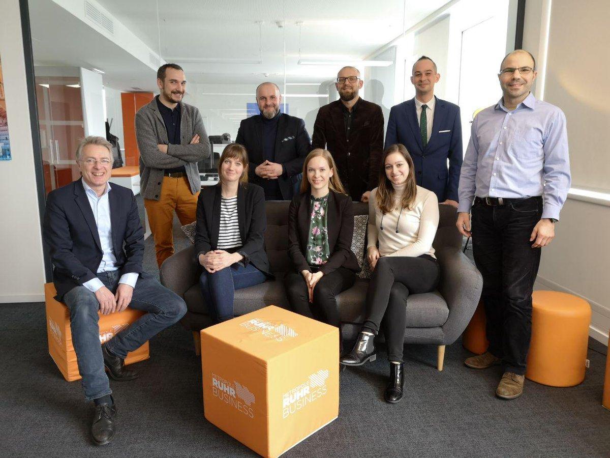 Besuch von unseren Nachbarn aus Polen bei der BMR: Guter, partnerschaftlicher Austausch heute über die großartigen Chancen des Strukturwandels zwischen Vertretern der Metropolregion Oberschlesien und unserem Team aus dem Ruhrgebiet. pic.twitter.com/ZN92nQ1Eks