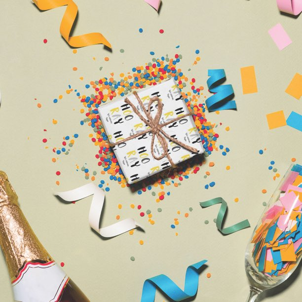 It's almost the weekend! 🎉🍾💃🕺😍 . . #hooray #weekend #celebrate #party #glitter #chanpagne #personalisedwrappingpaper #personalisedgiftwrap #congratulations #congrats #weekendvibes #friday #fun #friends #music #picoftheday #allsmiles #letscelebrate #feelingthelove