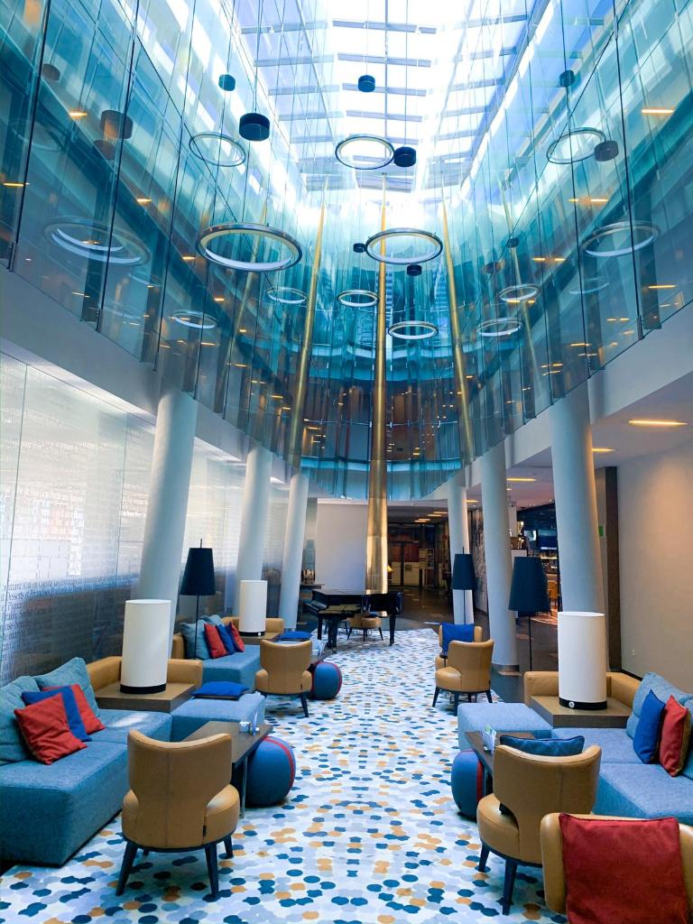 Timeless classic! That is Four points by Sheraton! We always love the energy flowing in our lobby and the amazing pendulum which is popular »selfie spot« among our guests!  #travel #travelphotography #photography https://t.co/LLY9If93hK