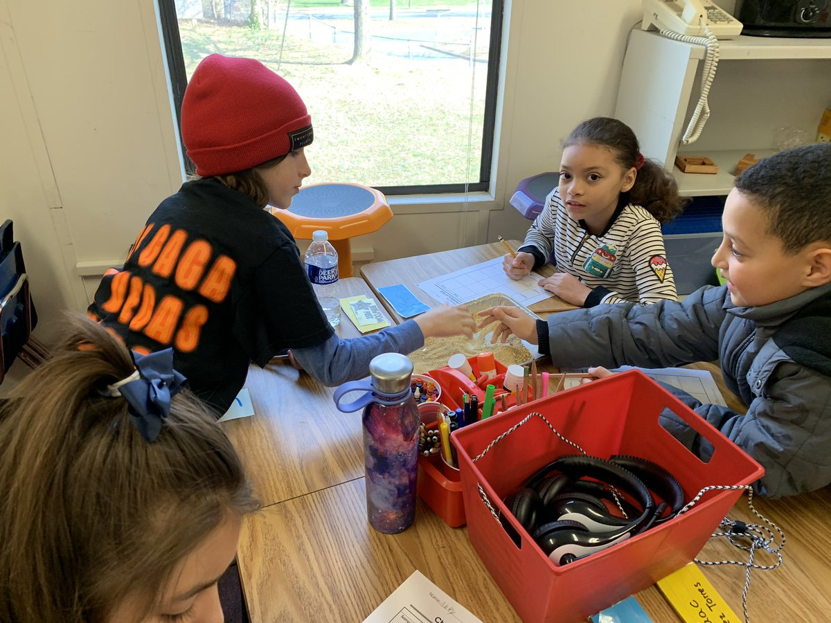 3rd grade scientists observe different components of soil <a target='_blank' href='http://search.twitter.com/search?q=KWBPride'><a target='_blank' href='https://twitter.com/hashtag/KWBPride?src=hash'>#KWBPride</a></a> <a target='_blank' href='https://t.co/2rzm2sa6IR'>https://t.co/2rzm2sa6IR</a>