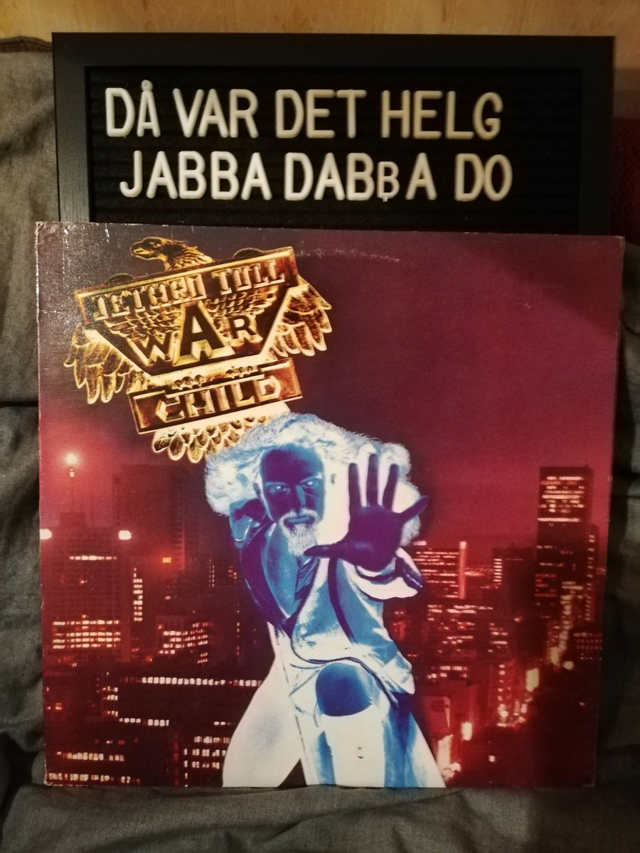 Kvällens Jethro: Jethro Tull - War child CHR 1067, 1974. #lpcollection #lpcollector #lpjunkie #vinyl #vinyljunkie #vinyllove #vinylrecord #vinylcollection #vinylcollector #record #recordjunkie #recordcollector #recordcollection #rock #progrock #classicrock #jethrotullpic.twitter.com/76ldG0gUHo