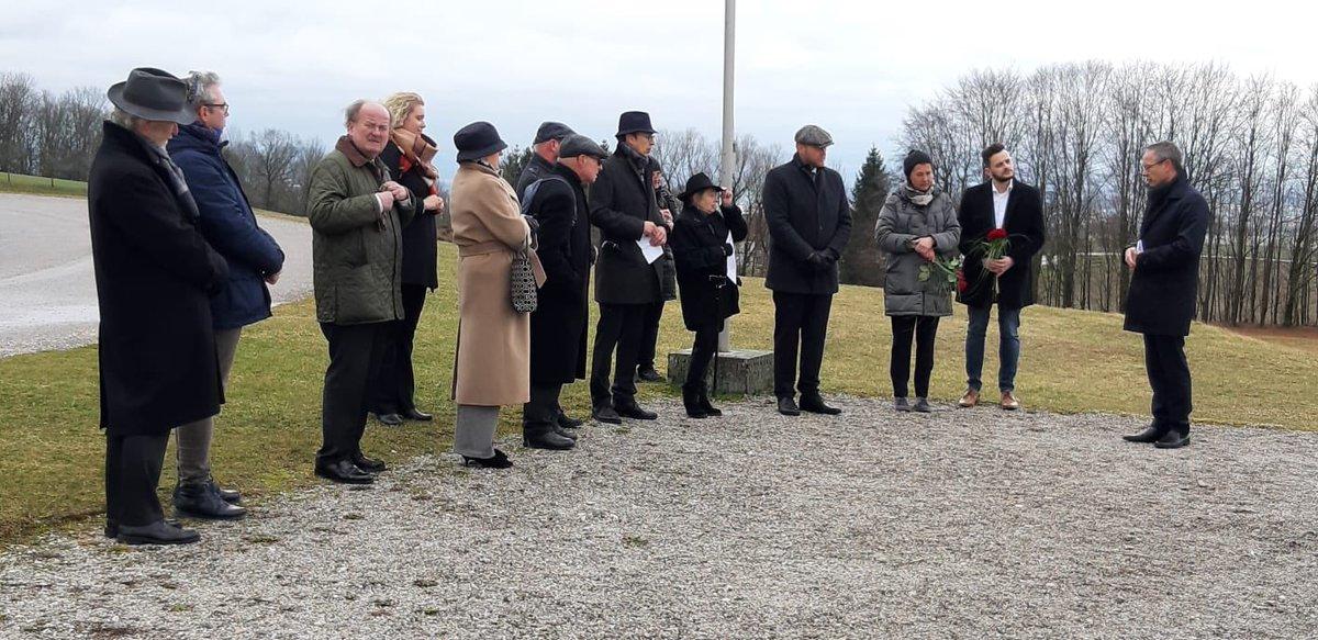 Feierliche Eröffnung des erweiterten niederländischen #mauthausendenkmals #NeverAgain #WeRemember @aldrikg @AndreasdeValk1 #StichtingMauthausenpic.twitter.com/ExEmRmAzcr