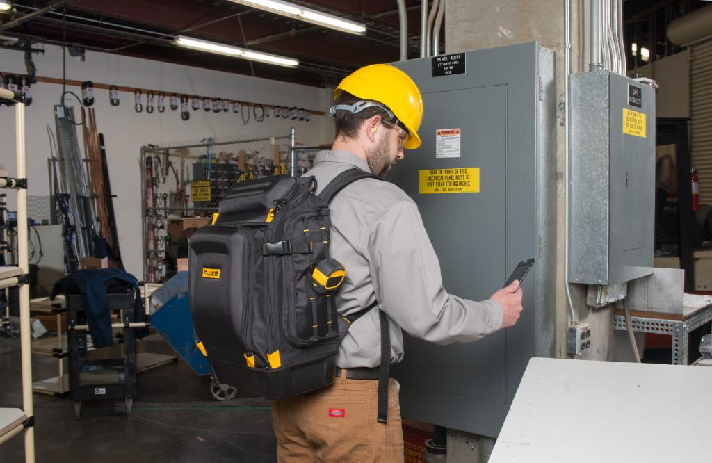 Organization ✅, Durability ✅, #FlukeFriday ✅.    Designed for professional #electricians and tradesmen, see why the Fluke Pack30 Backpack is the number one choice for carrying tools. >> https://t.co/rUAhdYJfcg https://t.co/X835NpdY1s
