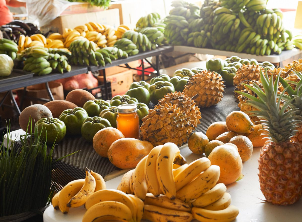Keep it fresh and local! Have you visited any of Maui's many farmers markets? Share your favorite finds in the comments below! 🍌🍍🥑 #ShopLocal #FarmersMarket #MauiNoKaOi #VisitMaui #LocallyMade #ShopSmall  https://t.co/FzU2u6v02L https://t.co/CRgmbAFNGb
