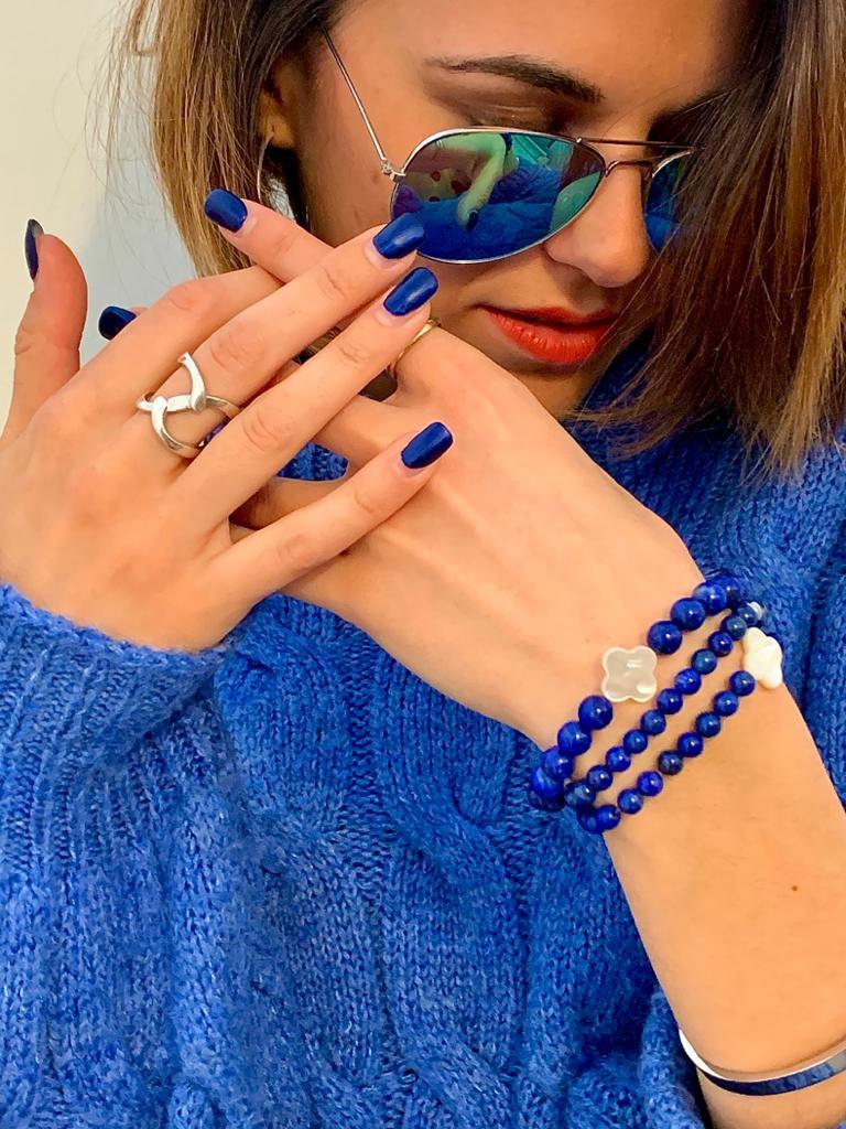 D'un Bleu royal profond le Lapis Lazuli, le gemme de l'endurance mentale et de la vitalité  #celilor_fr #bienetre #forme #lithotherapie #beaute #tours #toursmaville #cosmétique #magnesium #vitamine #silicium #barreproteinees #teamcelilor #bleuroyal #pierres #perles #precieusespic.twitter.com/cIJtncj4HR