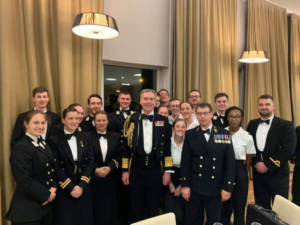 Last night, our students had the honour to meet @AdmTonyRadakin, the First Sea Lord of the Royal Navy. We had a delicious meal followed by a very interesting talk from the Admiral about his thoughts on the future of the @RoyalNavy.