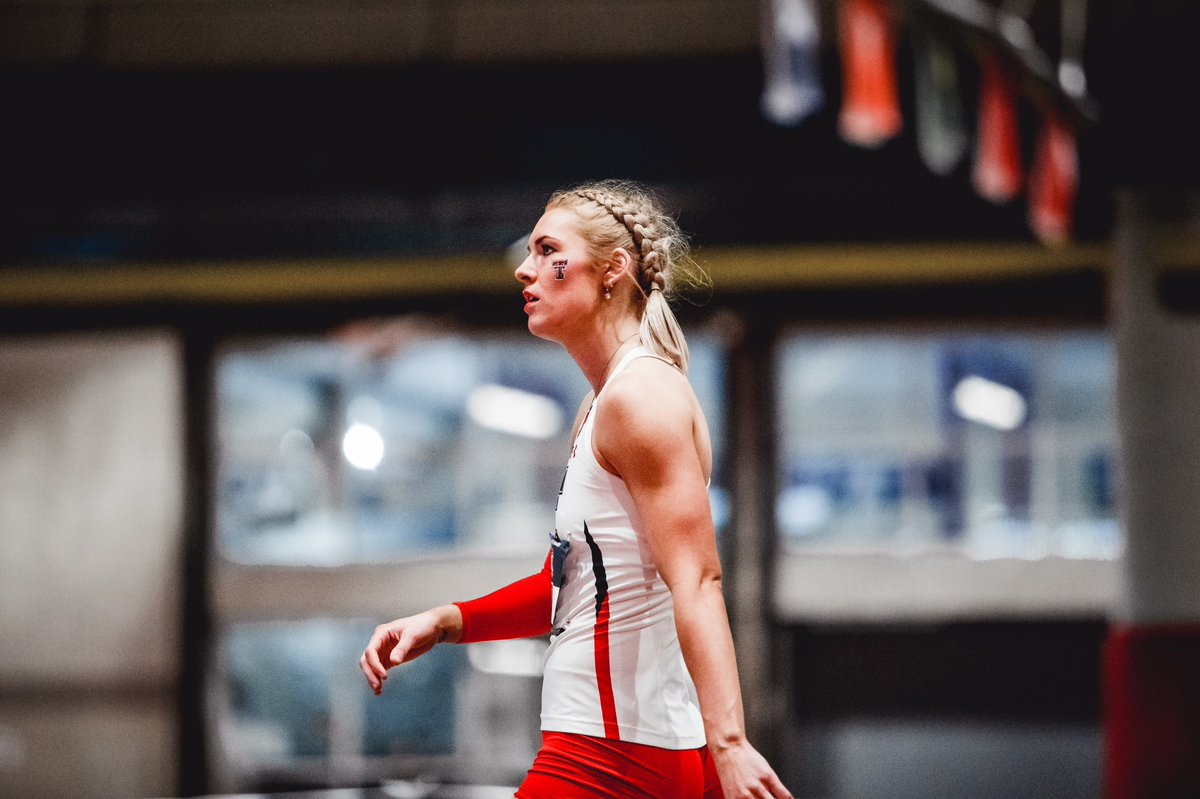 Kaylee is  in.   After a W in the high jump, @kayleehinton is tied atop the pentathlon leaderboard with  points!   #WreckEm | #Big12TFpic.twitter.com/UQzvQ6E2yS