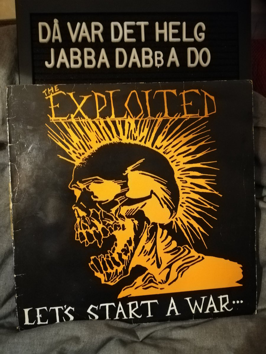 Helg! Exploited - Let's Start A War...... Said Maggie One Day 1983.  #lpcollection #lpcollector #lpjunkie #vinyl #vinyljunkie #vinyllove #vinylrecord #vinylcollection #vinylcollector #record #recordjunkie #recordcollector #recordcollection #rock #hardcorepunk #punk #exploitedpic.twitter.com/7FzCyLjQVF