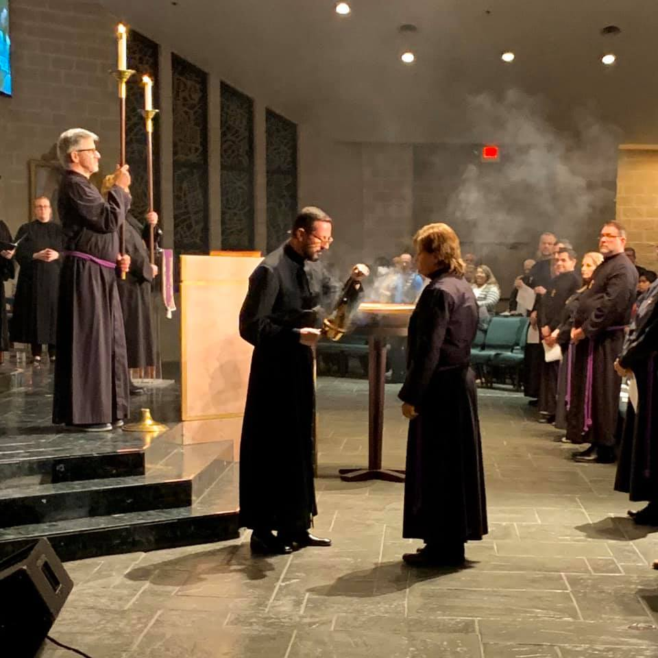 Thank you Jamie Rawson for capturing this moment of #AshWednesday.   https://cathedralofhope.com  #cohdallas #unitedchurchofchrist #celebrate #connect #commit #claim #49GoingOn50 #reclaim #Christianity #extravagant #grace #radical #inclusion #relentless #compassion #hope #ProveItpic.twitter.com/wAmAMphWsK