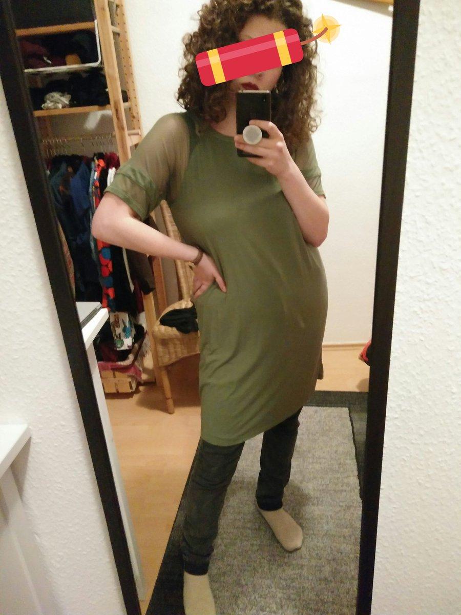 Hose mit Kleid ist ein Look keine widerrede pic.twitter.com/YZzv3SliYy